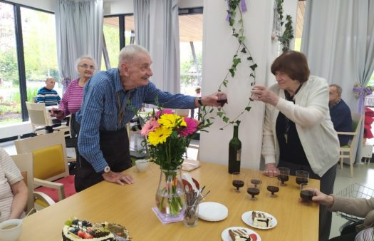 Říjnová oslava narozenin klientů SeniorCentra v Hradci
